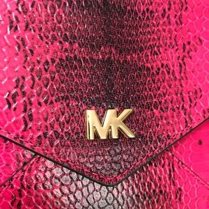 c13e20516a6f Michael Kors Bags - MICHAEL KORS Barbara Med Soft Envelope Clutch